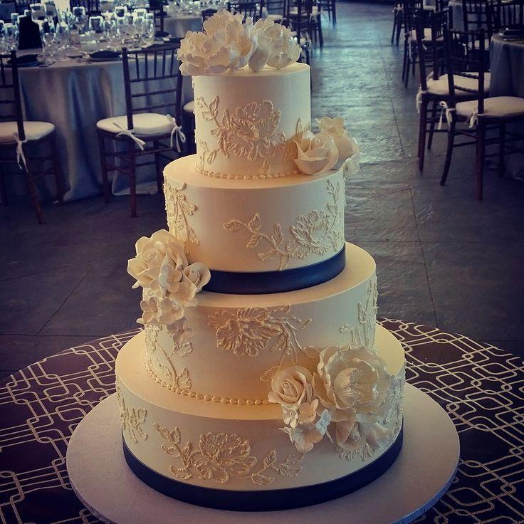 Wedding Cake Ideas Pinterest: Elegant Brushed Embroidery With Sugar Flowers