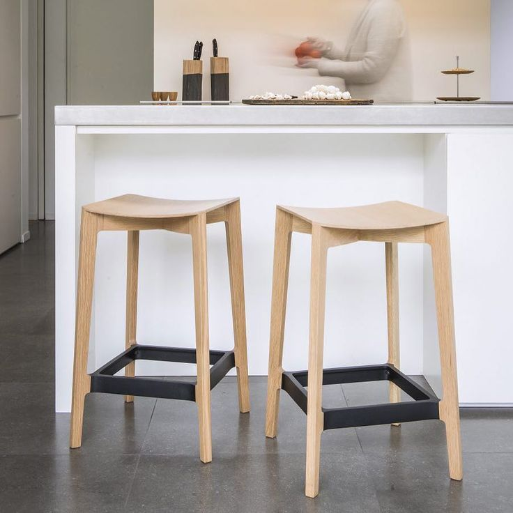 We love the definitive design embodied in the 'Elementary' stool by Jamie McLellan. Now available at Kira & Kira store in natural white wash and black. #stools #seating #chairs #furniture #furnituredesign #goldcoast #decor #interior #interiors #interiordecor #interiordesign #styling #homedecor #homestyle #homewares #homedesign by kiraandkira http://discoverdmci.com