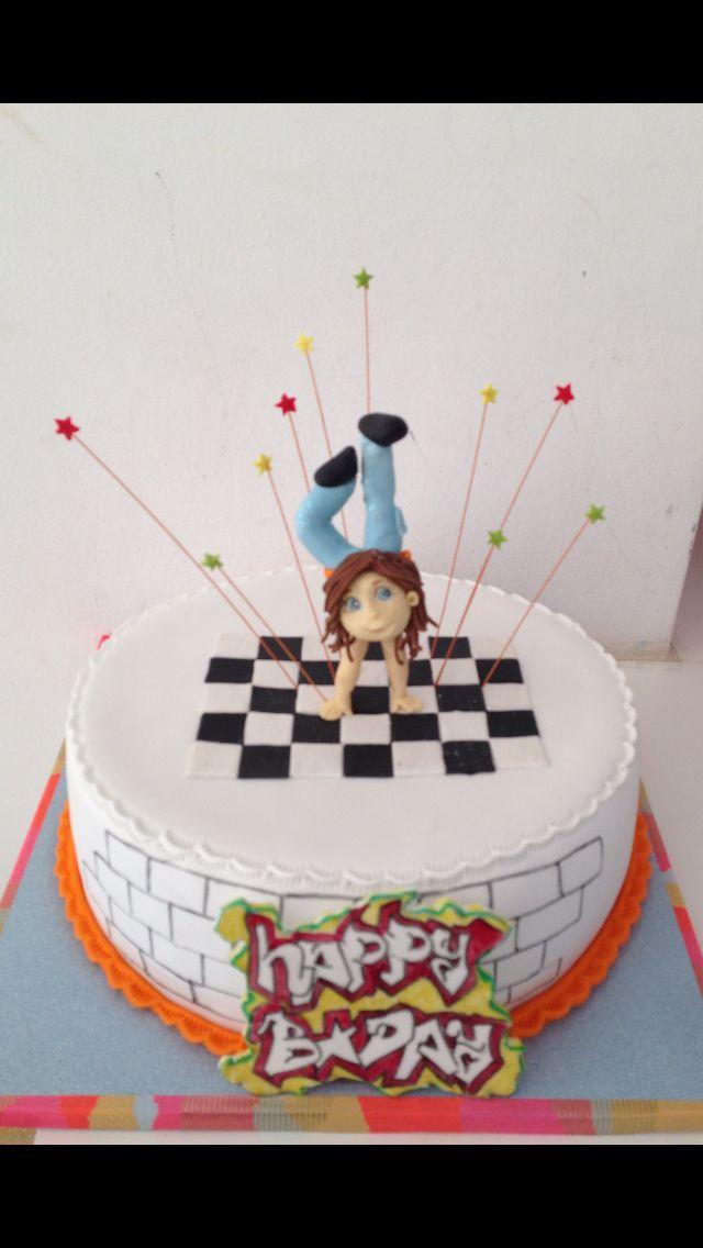 Break dance cake