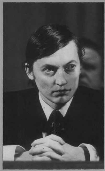 "Anatoly Karpov, called the ""boa constrictor"" for his style of active positional manoeuvring on relatively small space, combined with a slow strangulation approach ""to achieve maximum effect by minimum effort,"