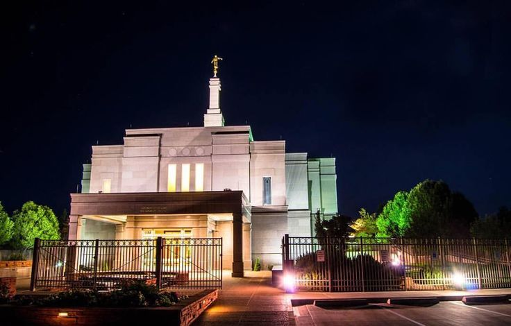 Snowflake, Arizona  PC: @traviskayphotos  #ldstemple #ldstempleaday #lds #mormon #snowflaketemple