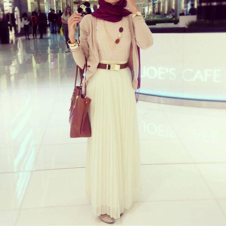 Simple , elegant and cuteeee   @hebaalyn ♡♡♡♡♡♡♡ .. . #tesettur#hijabfashion #hijabstyle #hijabbeauty #winter #beautyblogger #hijabstyleicon #beauty #hijab #hijabmurah #hijabinstan #hijabblogger #hijabmurah #hijabers #hijabtutorial #hijabvideo #beautiful