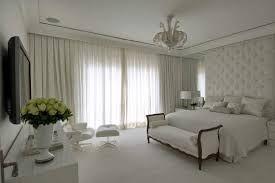Resultado de imagem para decoração quarto de casal com papel de parede na cabeceira