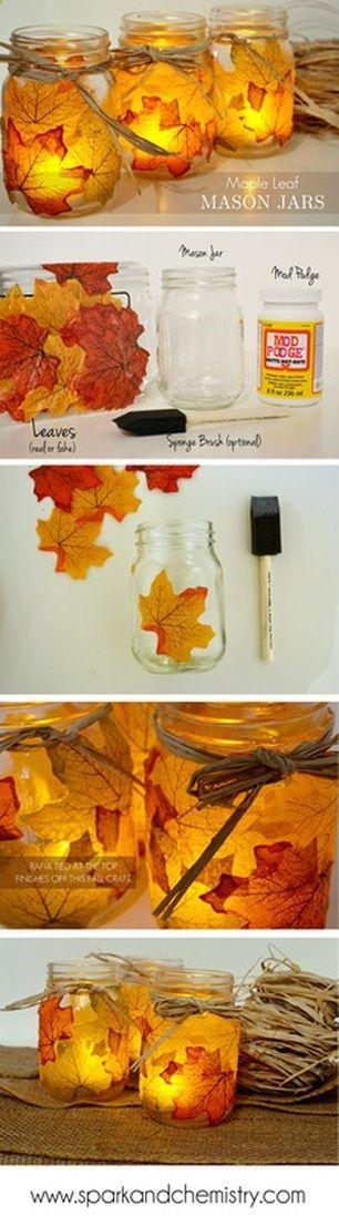 illuminer la maison aux bougies de l'Automne - 4 pots de yaourts en verre - De belles feuilles mortes jaunes/orangées/rouges ramassées - un pot de colle - 4 bougies chauffe plat