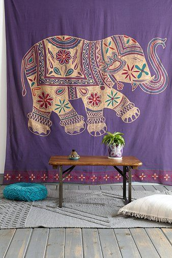printed elephant tapestry http://rstyle.me/n/i86tvr9te