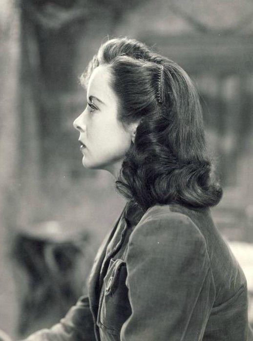 Ida Lupino photographed in profile, 1940's
