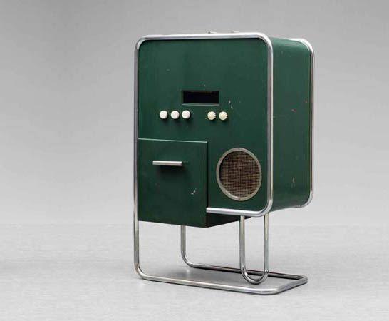 MUSIKMÖBEL (1934-1935) by Bang & Olufsen. Bauhaus style.