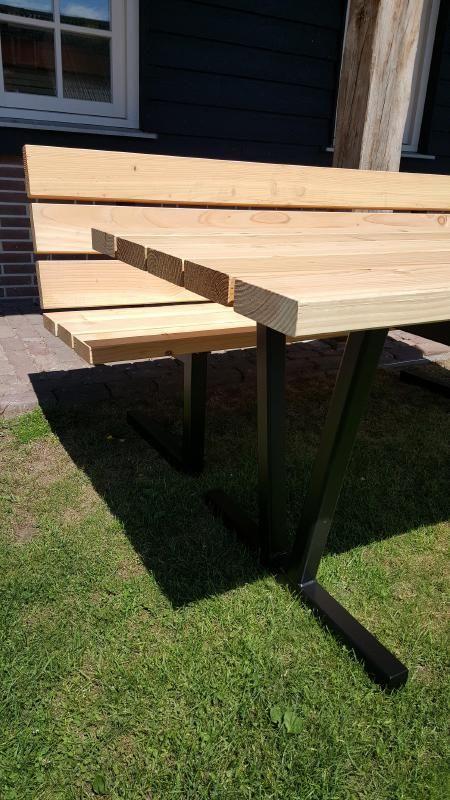 Douglas tuinset tuintafel met bank matalen stalen onderstel frame