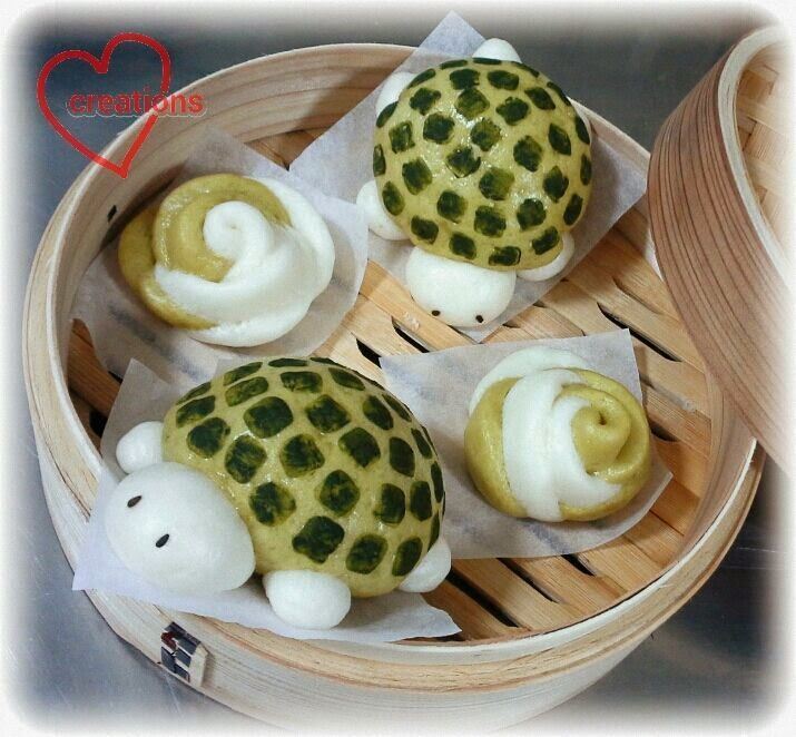 Turtle Red Bean Steamed Bun and Rose Mantou