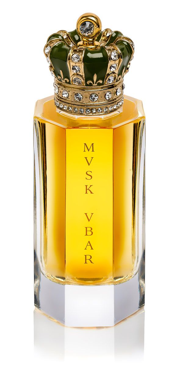 Royal Crown Musk Ubar EDP..  - The floral side is sprinkled with petals plucked from jasmine, rose, ylang-ylang and tuberose (but you can't really discern them).  - The sweet powdery side is amplified by sandalwood and benzoin.  - The animalics are further enhanced by styrax and ambergris. Oakmoss comes to refine things and brings out an earthy tone that musk also already has. Nutmeg, clove, and saffron compose an abstract spicy accord.