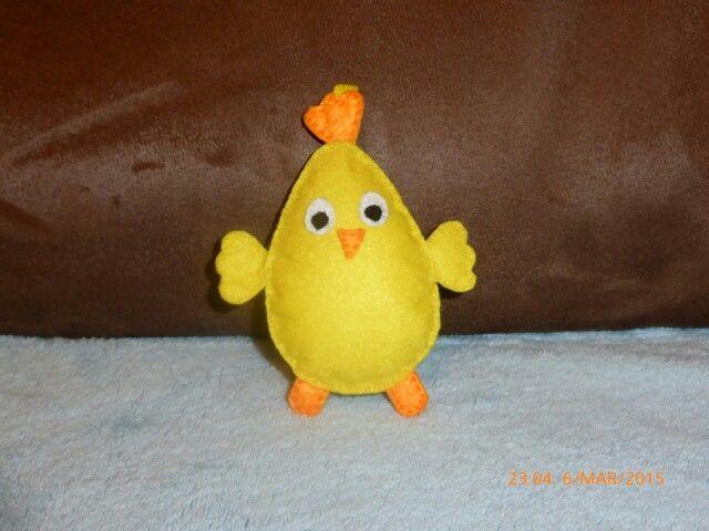 Kurczaczek wielkanocny z filcu - zawieszka