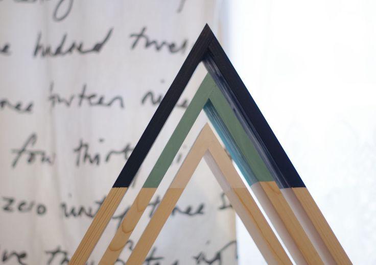 Triangle Wall Shelf Set