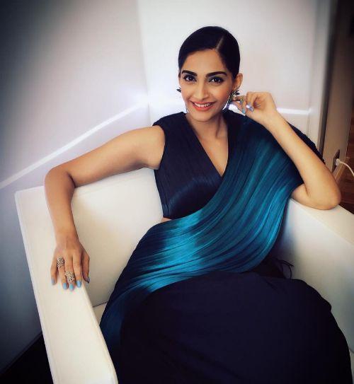 Sonam Kapoor's *Unreal* Saree Will Make You Go WOW!!