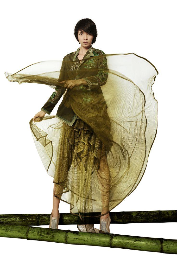 Minh Hanh. Vietnamese Fashion Designer. Italy & Vietnam 2011. Photo: Bui Viet Anh. Model:Thuy Huong
