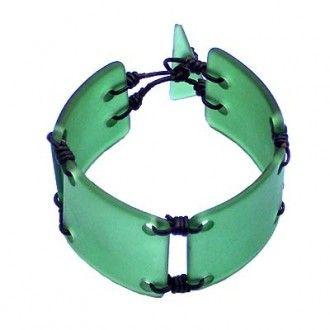 Simon Harrison Recyced Glass Jewelry http://hautenature.com/wp-content/uploads/2007/01/rg2-330x330.jpg