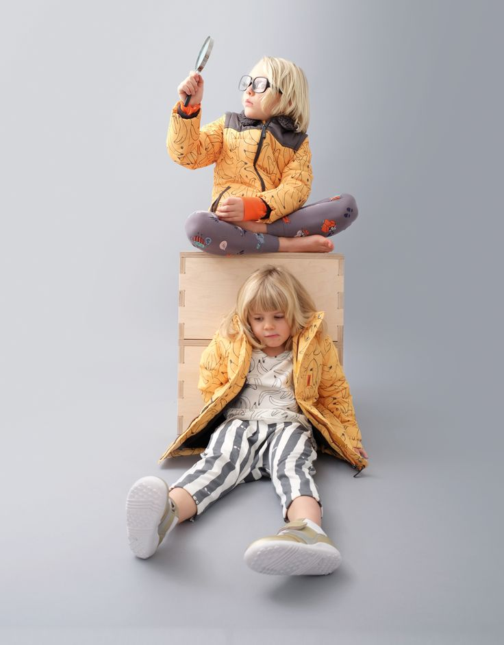 Indikidual AW2017 Collection. https://www.minimaud.com/product-page/indikidual-spook-banana-zip-off-sleeves-coat