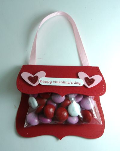 2/13/2011; Michelle Surette at 'I Stamped That' blog; valentine purse using a Top Note die folded over