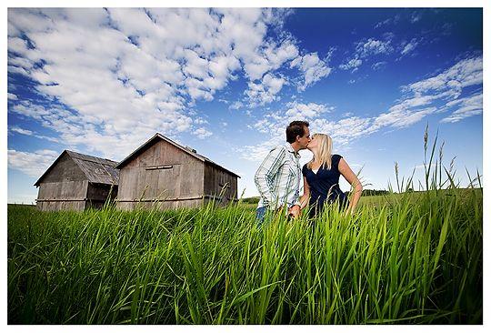 Adorable prairie engagement pictures