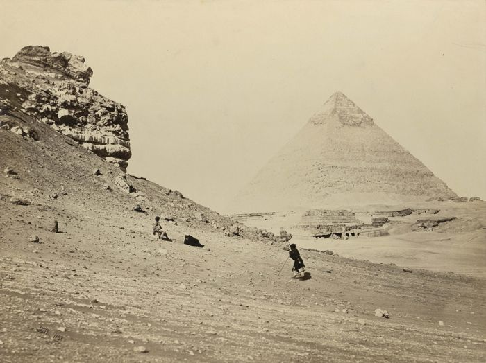 1860 - The second pyramid, from the south-east. Photographe : Francis Frith
