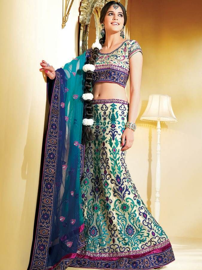 Bollywood actresses always flaunt off the online lehanga sarees with distinct styles in variety shades in functions such that their fashion statements have turned iconic & those fashion trends are pursued by women's all over the world .