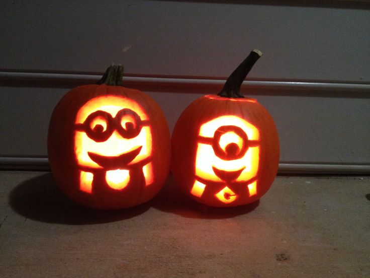 Minion pumpkin carvings (from Despicable Me).  Making the one on the right for my granddaughter today!