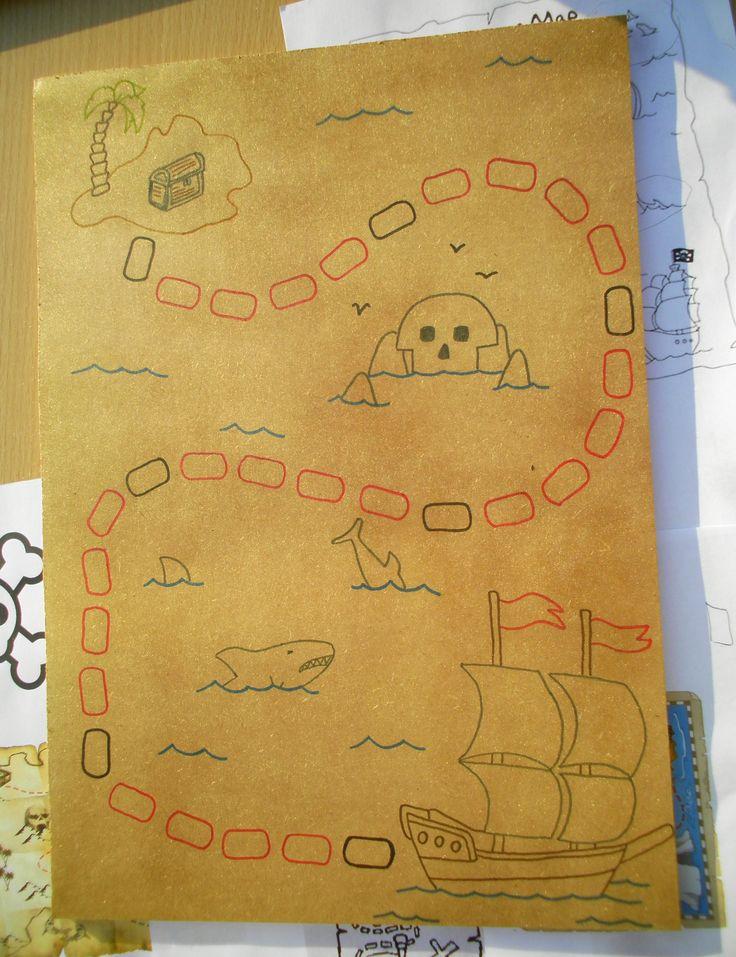 Ganzenbord: schatkaart (hout)  Kom je op een zwart vakje, dan moet je terugkeren naar het vorige zwarte vakje!