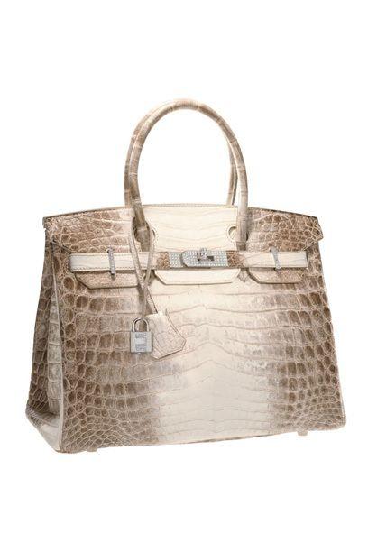 Hermes Birkin Bag 185.000 Dollar ! Die Birkin Bag von Hermès ist das begehrteste und teuerste Taschenmodell der Welt und wird nur auf Anfrage und von Hand im Atelier in Paris angefertigt. Dafür darf der Käufer allerdings Farbe, Material und Größe nach seinem persönlichen Geschmack bestimmen....