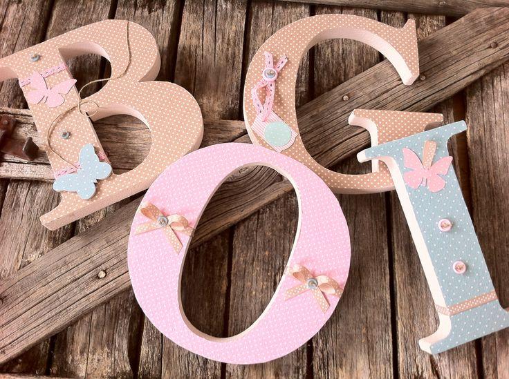 BOGI egyedileg díszített polisztirol habbetűk igény szerinti színvilággal és egyéni/egyedi stílusban rendelhetők.  A betűk 19cm magasak és a 3cm szélesek. #### name, letters handmade, baby, gift ,név, betűk, kézzel készült, bébi, ajándék...