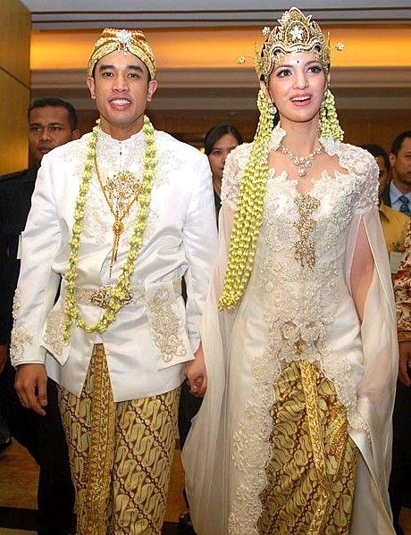 Kebaya Pernikahan Adat Sunda Modern