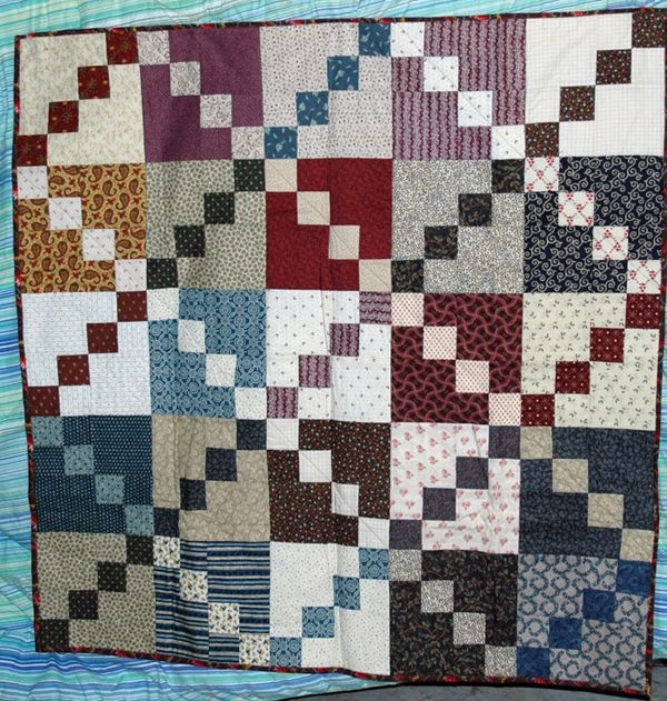 29 Easy Quilt Patterns for Beginning Quilters: Double Four Patch Scrap Quilt