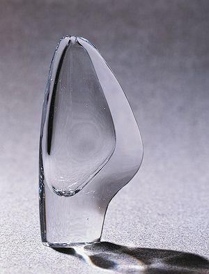 """Timo Sarpaneva: """"Lansetti II Vase"""" (Lancet II), Iittala, Finland"""