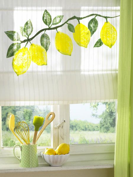 Bringing You Some Perky Summer Decor Ideas In The Form Of Interesting Window Decorations