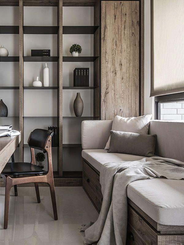 6. 書房設計: 層疊滑門的設計讓書房可以完全獨立亦可和客廳相互連結,窗邊臥榻特別墊高,下方抽屜式的收納空間提供屋主使用上的需求;整座的木製書櫃和鐵層板有著厚薄度的比例配置,設計單片的直木門板讓大片的書櫃更有變化性。書房中的書桌是帶點工業風的單品,面對文化石牆面,讓氣氛顯得清爽而安靜;一張充滿現代感的鐵腳藍色座椅,置於日式北歐的空間中格外融洽。