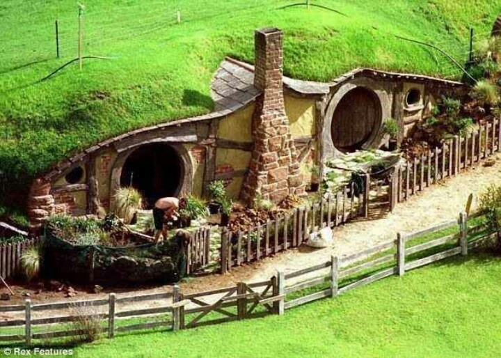 Middle Earth Home Design on moon homes, lord of the rings homes, chinese farm homes, harry potter homes, pokemon homes, paris homes, maryland homes, love homes, hippie homes, rivendell homes, europe homes, shire homes, camelot homes, avalon homes, canada homes, south africa homes, hobbiton homes, china homes, ocean homes, brazil homes,