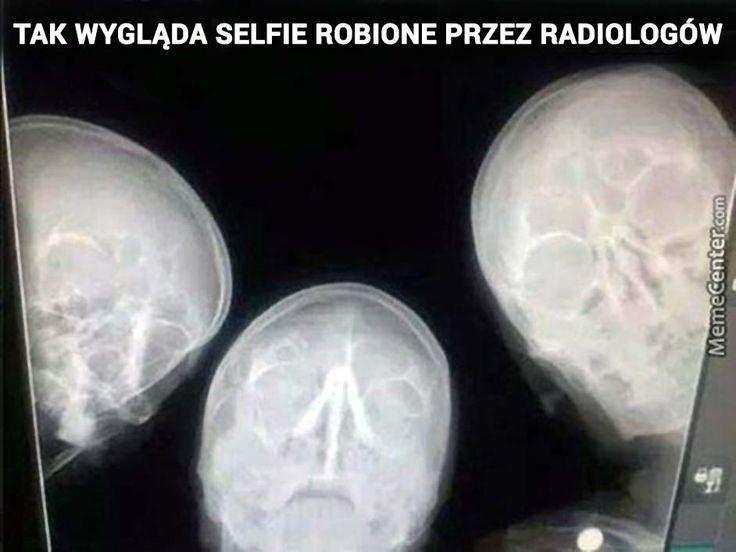 Tak wygląda selfie robione przez radiologów :-)   Centrum Medyczne Przyjaźni - Przychodnia we Wrocławiu - Zadzwoń: tel. 71 300 12 72, 71 300 12 73  #selfie #radiolog #wrocław #radiologist #xray #photo #doctor #lekarz #przychodnia #wroclaw #przyjaźni