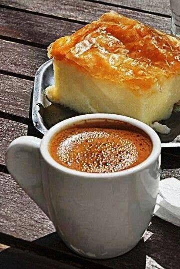 Ελληνικός καφές με γαλακτομπούρεκο..!!!