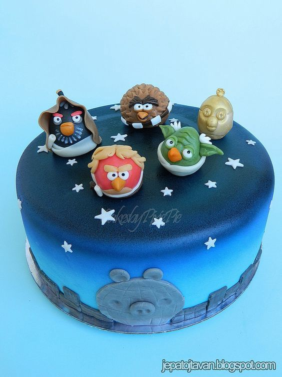 Best 25 star wars cake decorations ideas on pinterest for Angry birds cake decoration