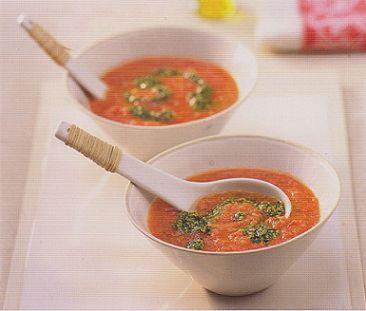 Несу наивкуснейший холодный супец. Названный в книге Kimiko Barber Japanese Light Азиатский Гаспачо с песто из кинзы/Asian Gaspacho with ...