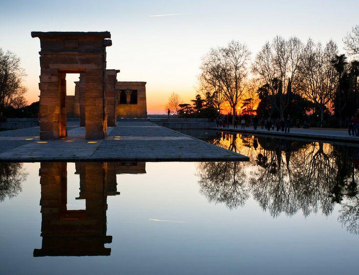 en madrid el templo de debod es el lugar favorito para muchos amantes de la