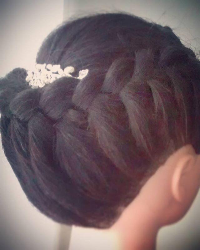 #trenzas #peinadosdenovia #recogidosdenovia #tocado