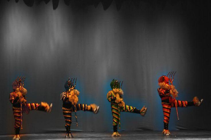 Diablots de l'Esbart Dansaire de Rubí, part delBall de Gitanes de Rubí (2013).  El Ball de Gitanes més que una dansa era tota una festa i des del seu origen com a dansa ballada pels gitanos quan celebraven els seus casaments fins a la seva incorporació al patrimoni popular de la nostra gent, la dansa va passar una sèrie de canvis. Va incorporar músiques i personatges, va servir per organitzar concursos i encara avui és el document de dansa més festiu de la nostra tradició.