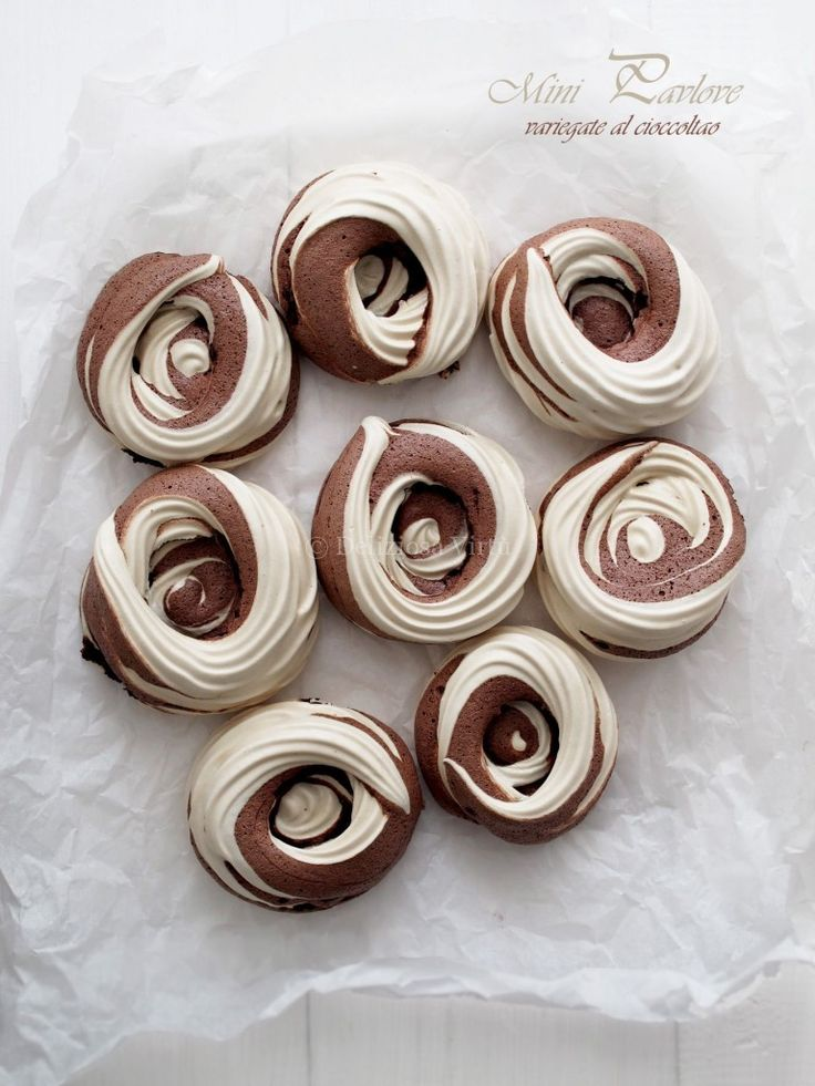 Mini pavolove variegate al cioccolato