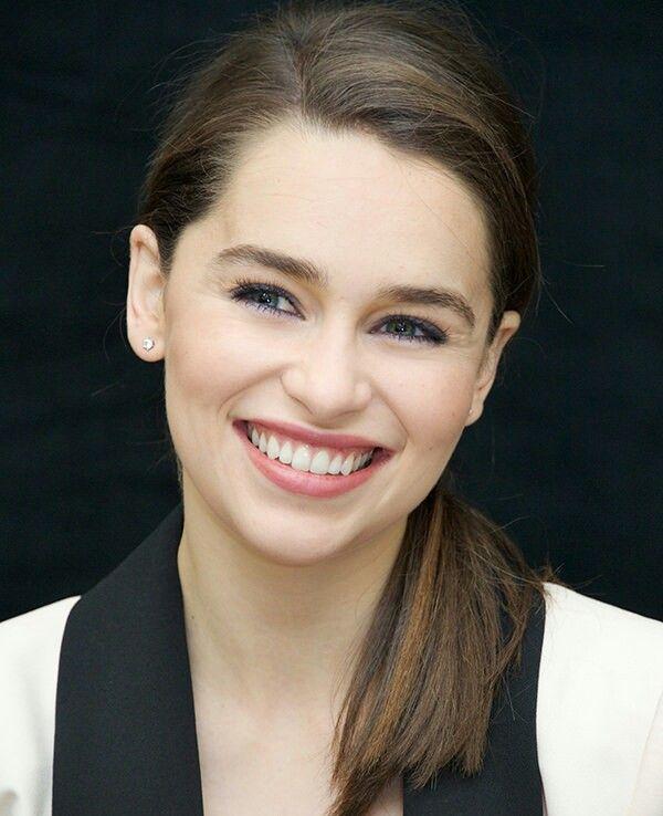 Emilia Clarcke Beauté