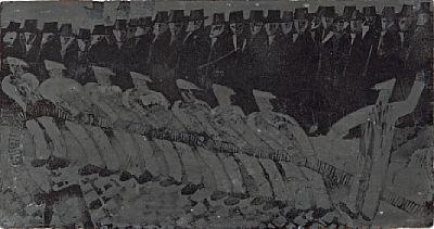 """LUDVIG EIKAAS JØLSTER 1920 - OSLO 2010  """"Kabeltrekkere"""" 1962 Trykkplaten til etsningen, 34x65 cm"""