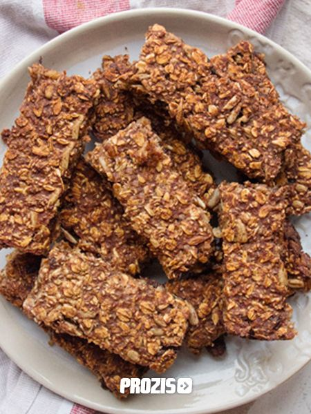 Yummmmy! Fitness recipe of protein bars with granola and almond butter! Super healthy and fit.