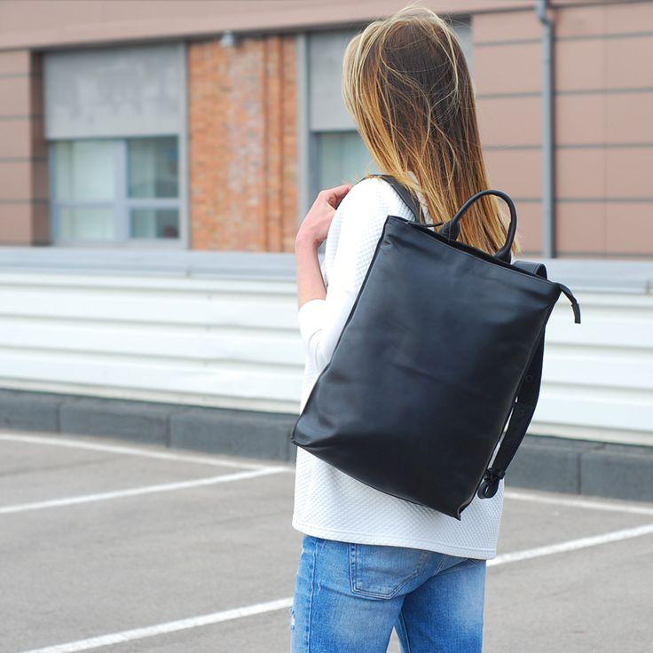 Minimalist Backpack   Black Bag   Wolf & Badger