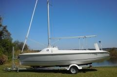 Hunter 216 - $9,500  JUST REDUCED!!! 2008 Hunter 216 with custom galvanized trailer. Roller furling jib. Lots of storage room in the cabin.  An incredible 10 ft cockpit with contoured seatbacks. Plenty of room for family and friends. 500lb Lead Hydraulic Keel.  This boat has 252 square ft of sail and is a BLAST to sail!!! This package has had limited usage and is ready to sail.