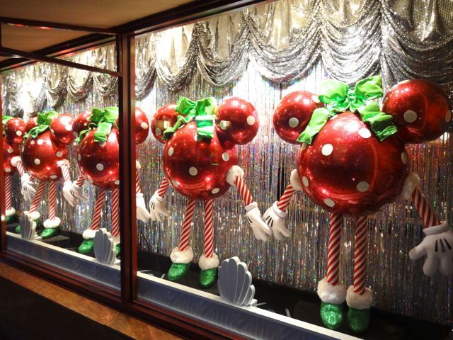 Christmas 2012 Shop Window Displays At Disneyu0027s Hollywood Studios ...640 X  48092.7KBwww