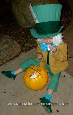 Homemade Mad Hatter Halloween Costume: I wanted to design a homemade Mad Hatter Halloween costume that was as close to the Hatter character (colors/design) as possible, so this made it fun!