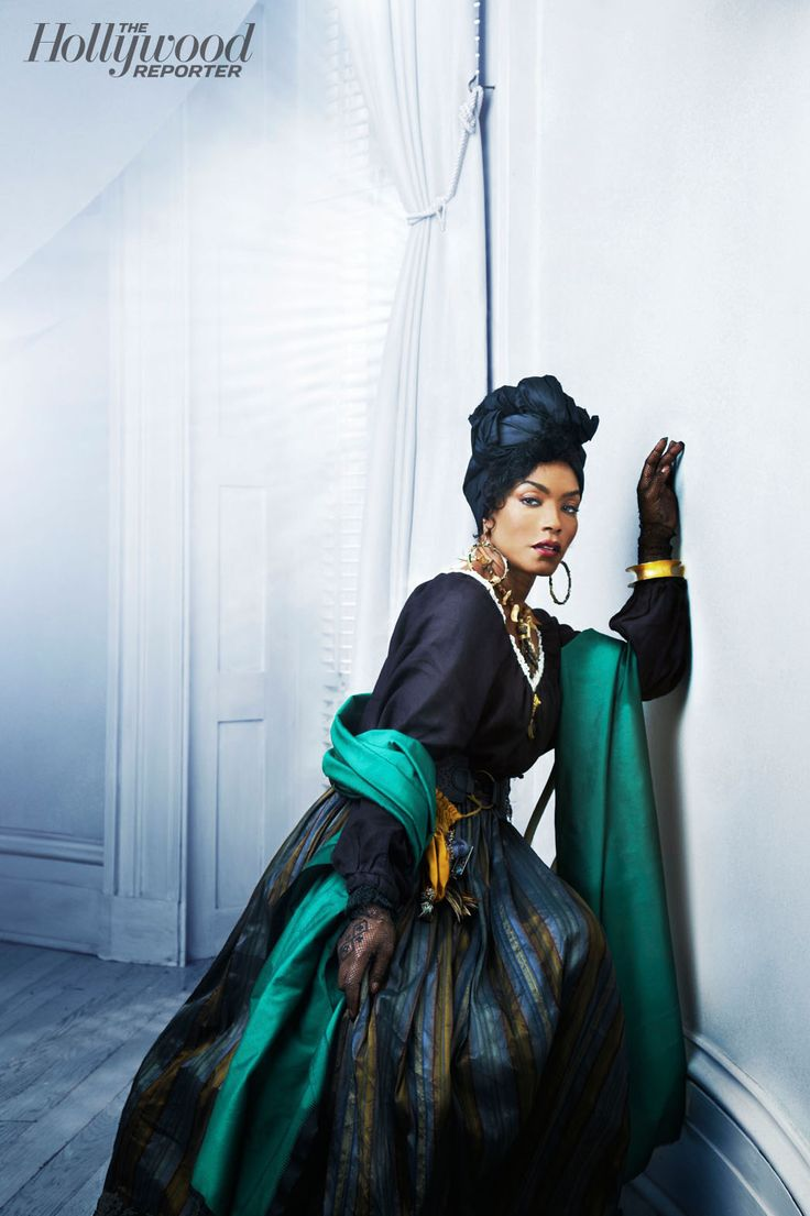 angela bassett as real life 19th century voodoo priestess marie laveau in american horror story. Black Bedroom Furniture Sets. Home Design Ideas